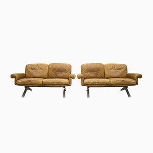 Hellbraune DS31 Zwei-Sitzer Ledersofas von de Sede, 1970er, 2er Set