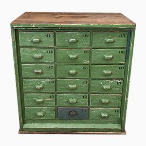Kleiner Grüner Vintage Arbeitsschrank