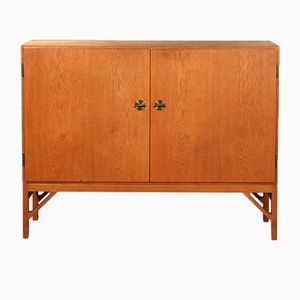 Vintage 2 Door Oak Cabinet by Borge Mogensen for FDB