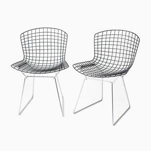 Mid-Century Wire Stühle mit Schwarzen Sitzen & Verchromten Gestellen von Harry Bertoia für Knoll, 2er Set
