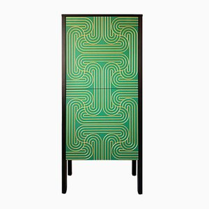 Hoher Grüner Loop Schrank von Nell Beale für Coucou Manou