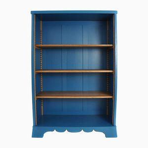 Blaues Österreichisches Bücherregal