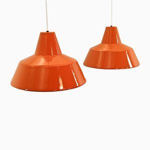 Dänische Enaille Hängelampen in Orange von Louis Poulsen, 1960er, 2er Set