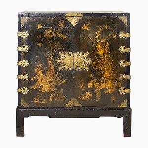 Lackierter Englischer Schrank, 1700er