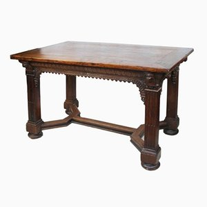 Geschnitzter Eichenholz Tisch im Gotischen Stil
