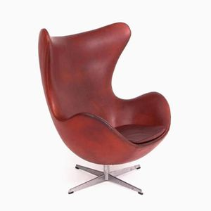 Vintage Egg Chair in Red Leather by Arne Jacobsen for Fritz Hansen