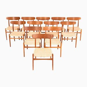 Vintage Oak Dining Chairs by Hans J. Wegner for Carl Hansen & Son, Set of 12
