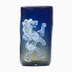 Französische Blaue Glasvase mit Löwe, 1960er