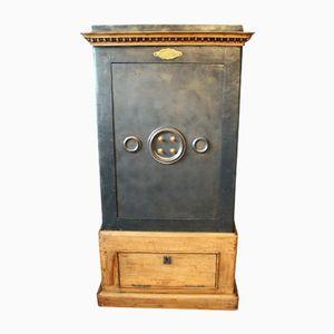 Französischer Antiker Tresor aus Stahl, Eisen und Holz