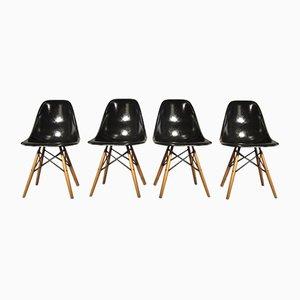 Fiberglas Stühle von Ray & Charles Eames für Vitra, 1973, 4er Set