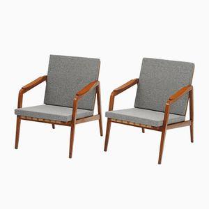 Tschechische Mid-Century Sessel aus Eiche von Ton, 1950er, 2er Set