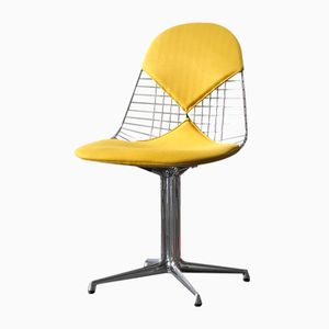 Vintage DKR-2 Wire Chair with La Fonda Base in Chrome by Charles & Ray Eames for Herman Miller