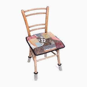 Sedia antica in legno con patchwork a mosaico di Yukiko Nagai, 2013