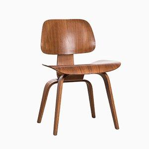 DCW Walnuss Schichtholz Stuhl von Charles & Ray Eames für Herman Miller, 1952