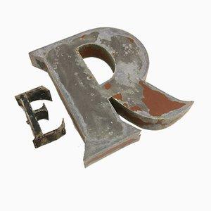 Französische Industrielle Buchstaben E & R, 1940er, 2er Set