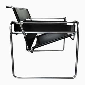 B3 Wassily Chair in Black Leather by Marcel Breuer for Gavina, 1960s