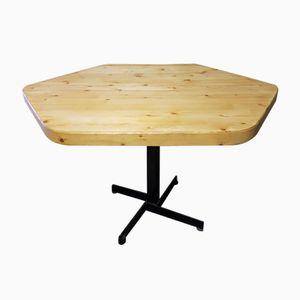 Table Pentagonale Jaune en Pin et Métal par Charlotte Perriand, 1960s