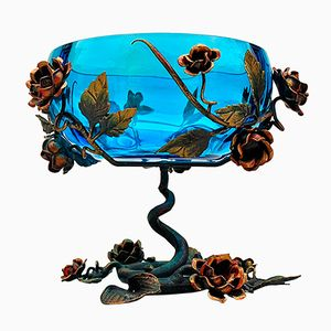 Blaue Französische Vintage Glas Schale mit Dekoriertem Metall Gestell