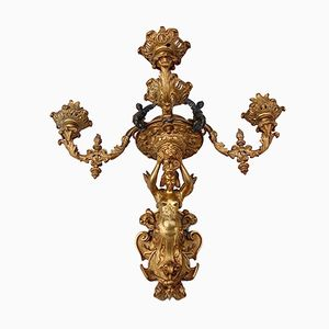 Candelabro da parete in ottone con figurina rappresentante una fata, XIX secolo