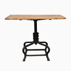 Kleiner Tisch mit Gusseisen Fuß, 1920er
