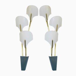 Große Italienische Wandlampen aus Messing & Weißem Plexiglas, 1950er, 2er Set