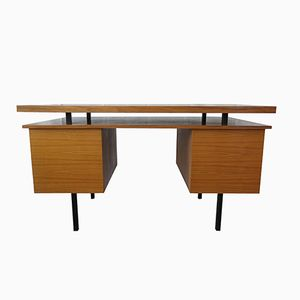 Deutscher Mid-Century Holz Schreibtisch auf Metallbeinen