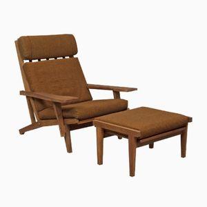 Sandgestrahlter Ge 375 Sessel mit Fußhocker von Hans Wegner für Getama, 1970er