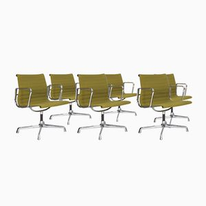 Chaises EA108 Vintage par Charles & Ray Eames pour Vitra, Set de 6
