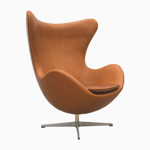 Cognacfarbener Egg Chair von Arne Jacobsen für Fritz Hansen, 1970er