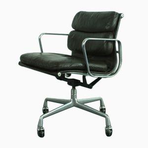 Soft Pad Group Chair in Dunkelbraunem Leder von Charles & Ray Eames für Herman Miller, 1980
