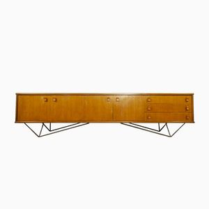 Sideboard mit Diamantenförmigem Stahlfuß, 1960er