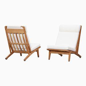 Vintage Sessel mit Weißen Kissen von Hans Wegner für Getama, 2er Set