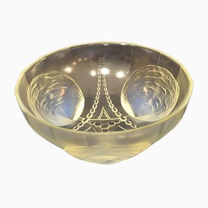 Art Deco Coquilles et Perles Bowl in Opal Glass, 1930s