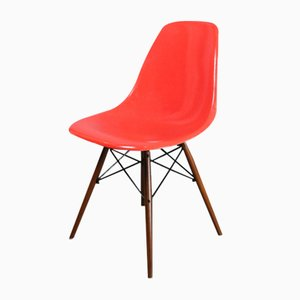 DSW Stuhl in Rot von Charles & Ray Eames für Herman Miller, 1960er