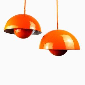Orangenfarbene Hängelampen von Verner Panton für Louis Poulsen, 1960er, 2er Set