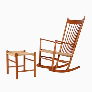 Sedia a dondolo vintage con sgabello di Hans J. Wegner per Fredericia