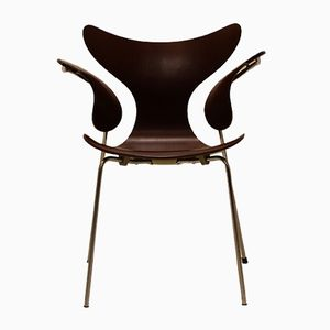 Vintage Model 3208 Brown Lily Chair by Arne Jacobsen for Fritz Hansen