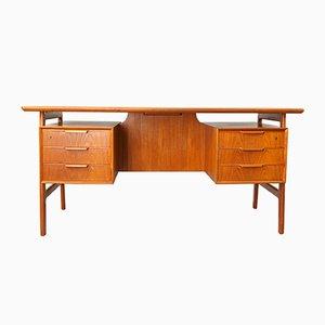 Dänischer Vintage Modell 75 Schreibtisch aus Teak von Omann Junn