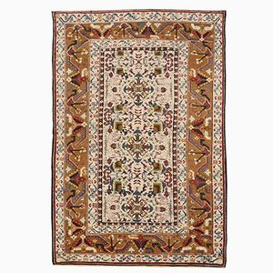 White Antique Agra Rug