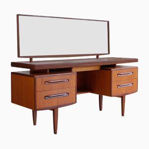 Vintage Schreibtisch von Victor Wilkins für G-Plan