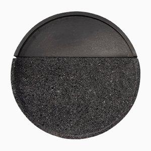 Rundes Lava Vulkangestein Tablett von Caterina Moretti & Ana Saldaña für PECA