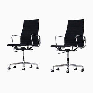 Sedie da ufficio EA119 Mid-Century in alluminio di Charles & Ray Eames per Vitra, set di 2
