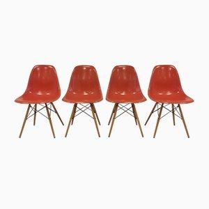 Mid-Century Fiberglas Stühle von Charles & Ray Eames für Herman Miller/ Vitra, 4er Set