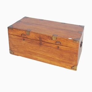 Baule antico in legno di canfora