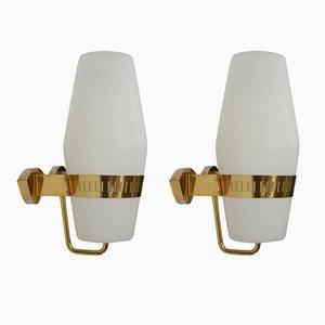 Lampade da parete vintage in ottone e vetro opalino di Stilnovo, set di 2