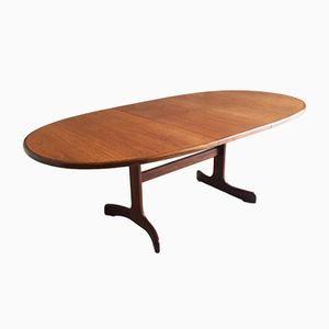 Mid-Century Extendable Dining Table with Curved Feet