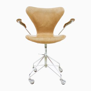 3217 Leather Swivel Armchair by Arne Jacobsen for Fritz Hansen, 1963