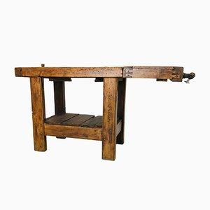 Antiker Werktisch mit Schraubstock