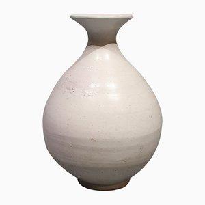 Weiße Mid-Century Vase von Svend Hammershøj für Kähler, 1950er