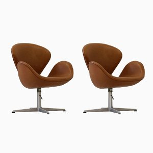 Leather Swan Chairs by Arne Jacobsen for Fritz Hansen, 1960s, Set of 2